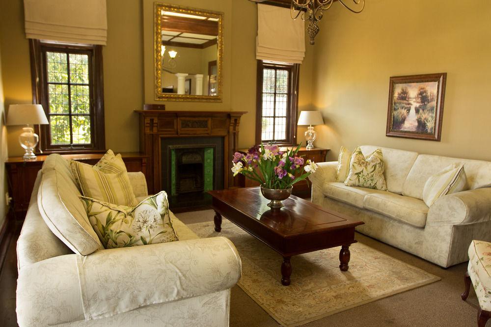 audacia manor lobby lounge