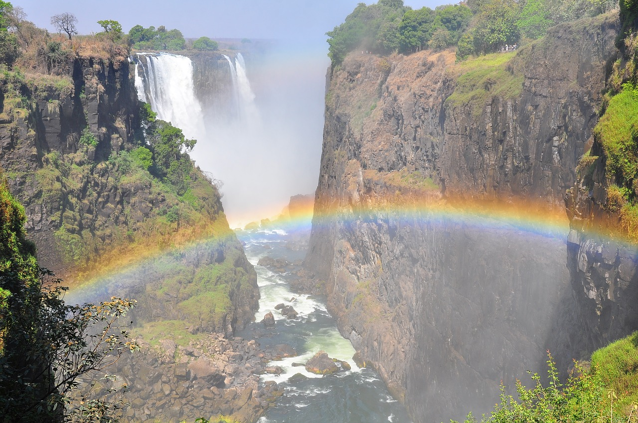 victoria falls waterfall on safari